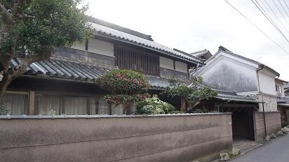 内蔵のある古民家住宅