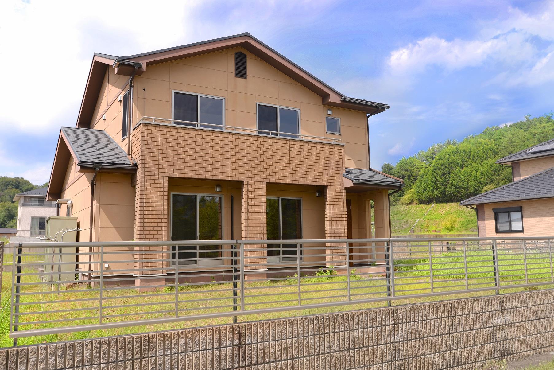外壁には断熱性・遮音性・耐久性・耐火性に優れた『ALC』採用住宅