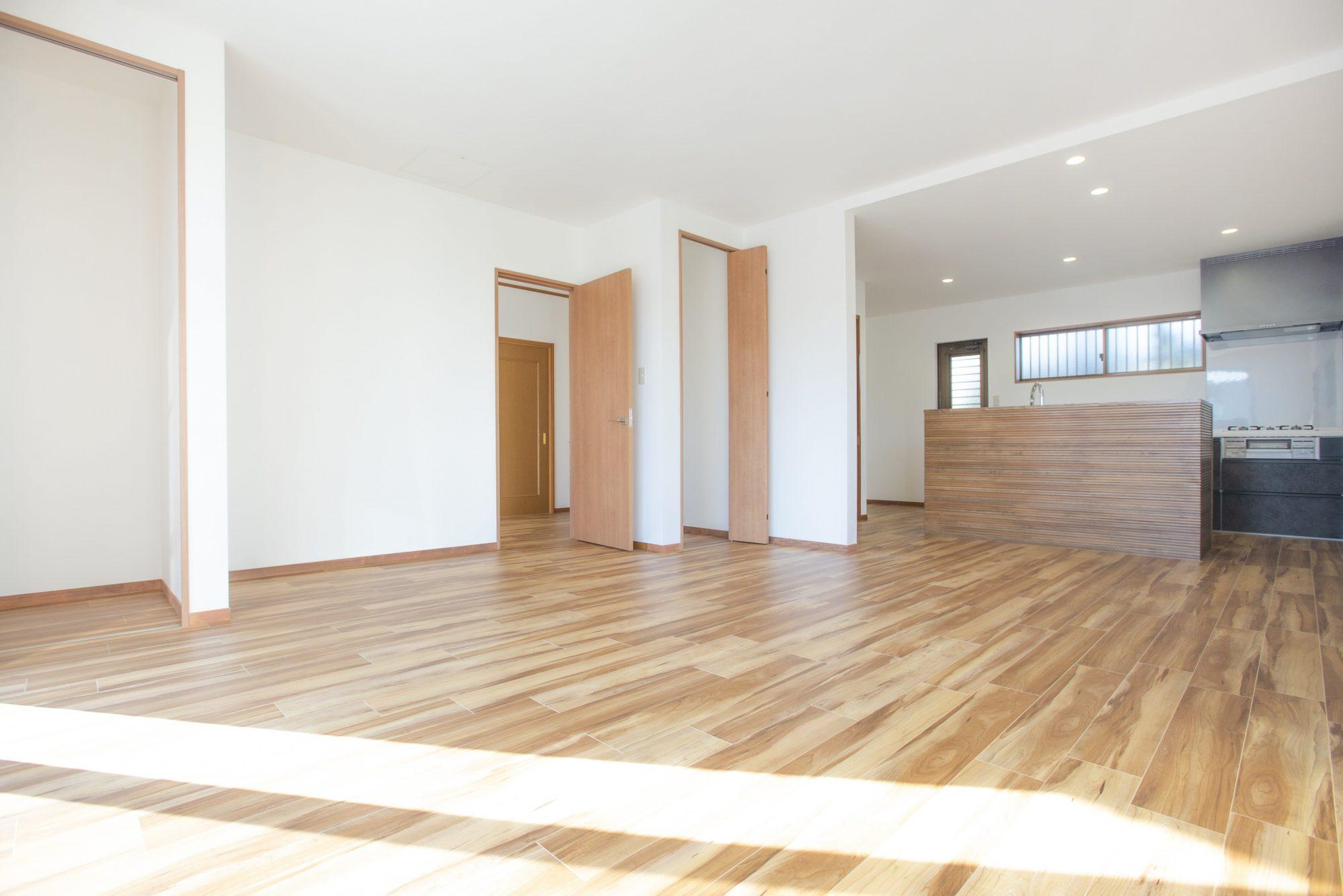和室とダイニングキッチンを1間に続け、20.5帖の大空間に生まれ変わりました!